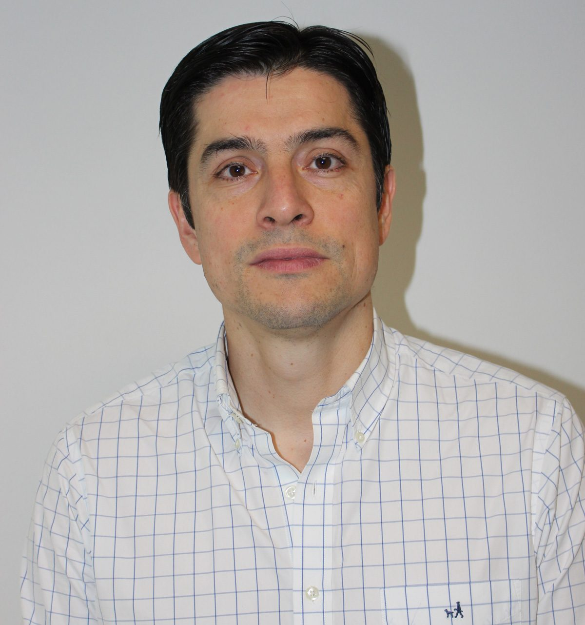 Dr. Sergio Valenzuela Roediger
